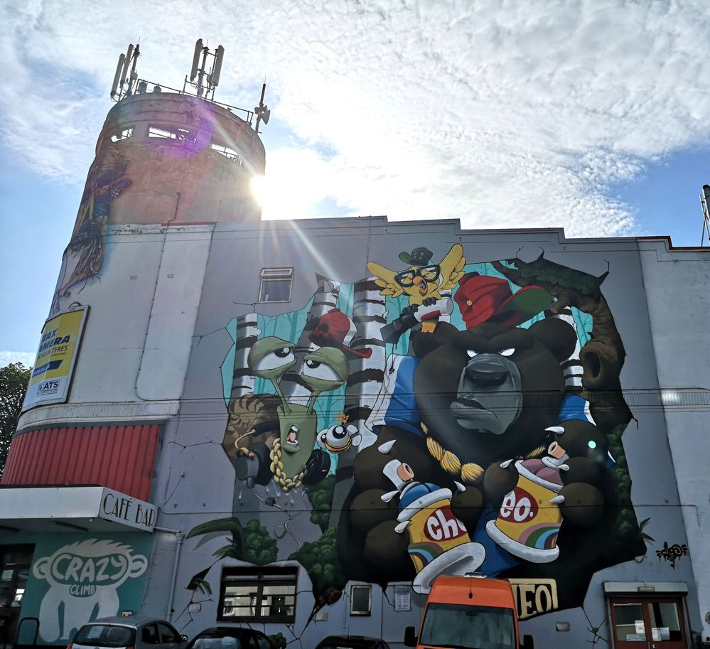 Huuuuuge wall by Cheo, painted throughout last week